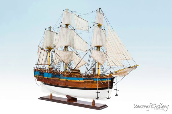 HMB Endeavour painted 95cm model ship (3)