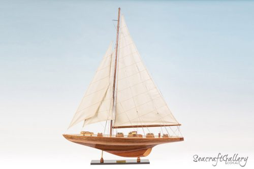Endeavour 80cm Model Sailing yacht 2