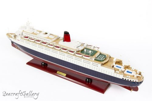 QUEEN ELIZABETH 2 Model cruise 9