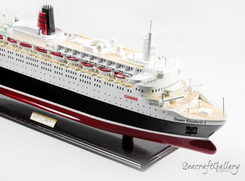 Queen Elizabeth II Model cruise