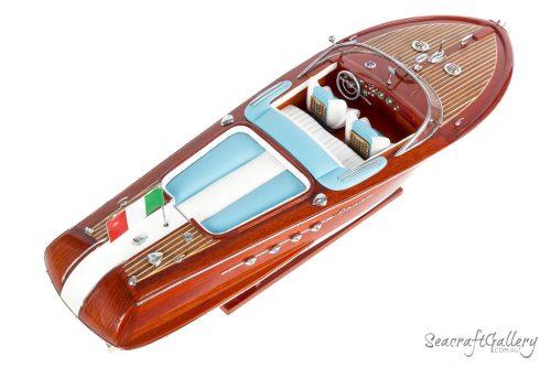 Riva Aquarama 70cm Model boat 8