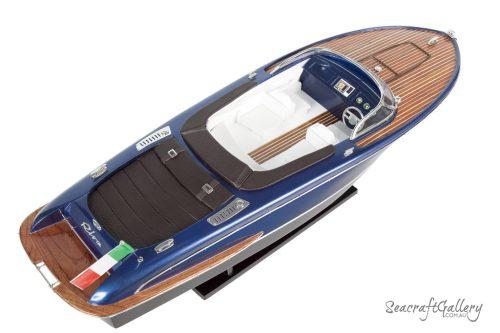 Riva Iseo 70cm Model boat 3