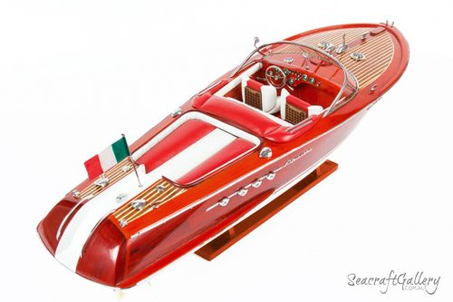 Riva Red 70cm Model boat 4