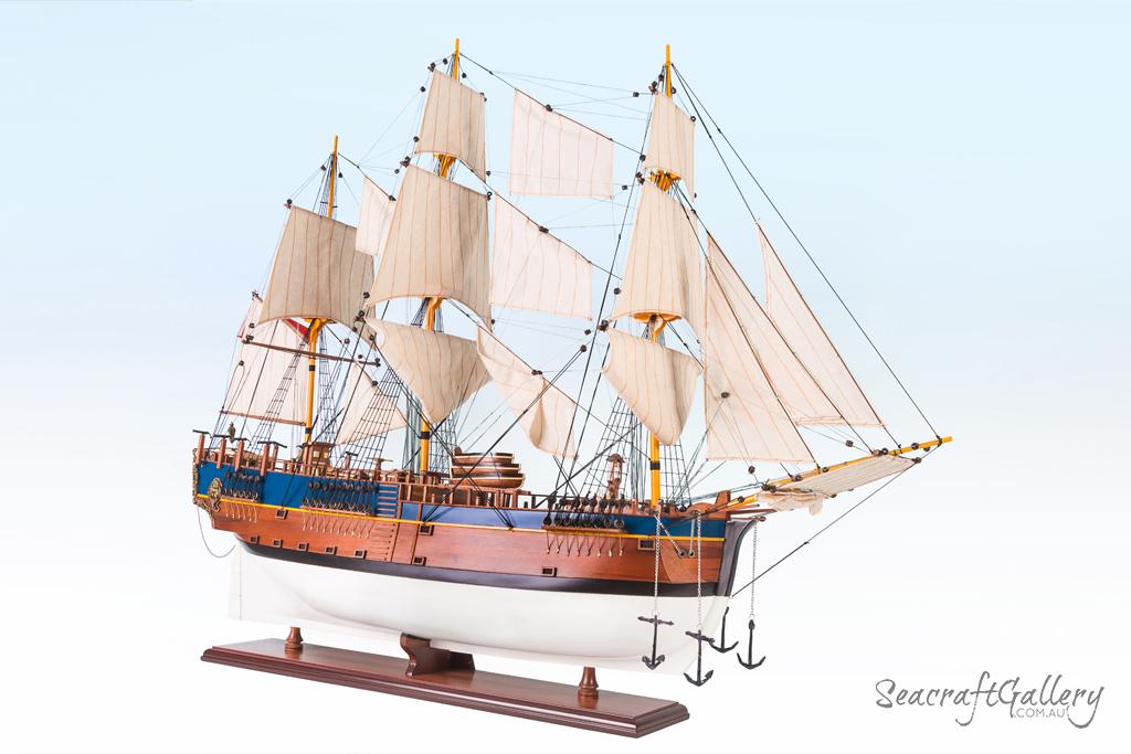 Endeavour painted model ship 95cm 19 (5)