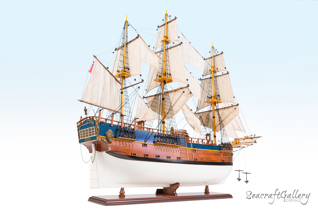 Endeavour painted model ship 95cm 19 (6)