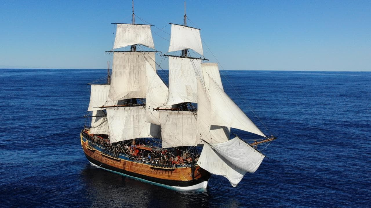 HMB Endeavour ship - James Cook