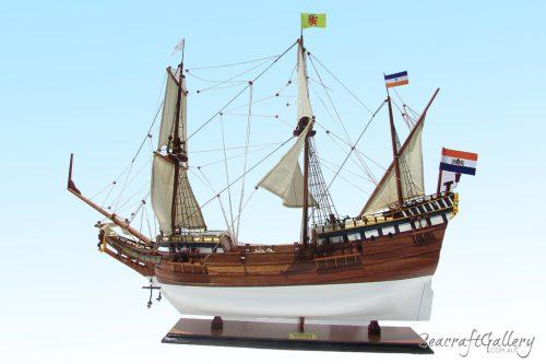 Duyken ship model