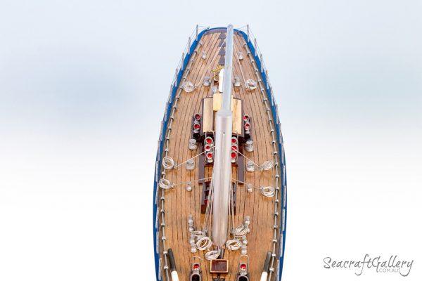 Endeavour sailboat model
