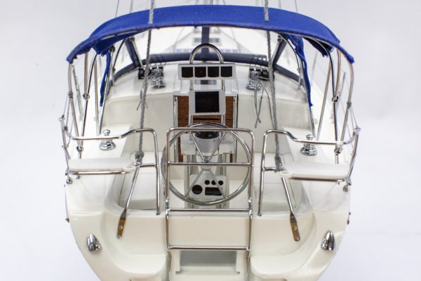 Catalina modern yacht model