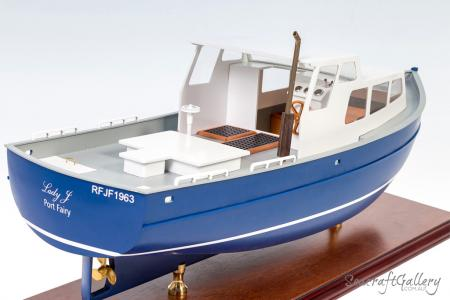 Model finishing boat