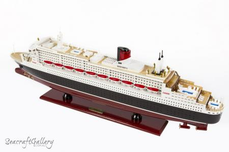 Queen Mary 100cm Model cruise 10