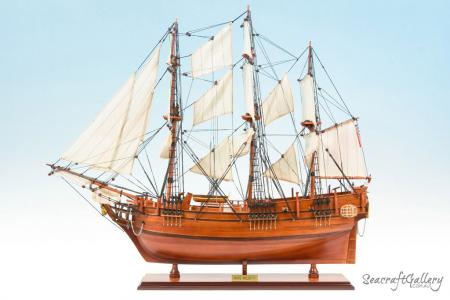 HMS Bounty 75cm Model Ship 11