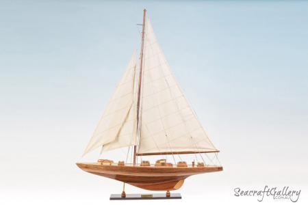 Endeavour 80cm Model Sailing yacht 2
