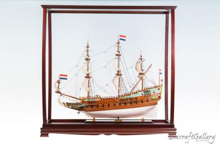 Hardwood Display Case for Tall Ships – 95cm | Model Ship Display Case | Batavia Model Ship in a Wooden Display Cabinet | Seacraft Gallery
