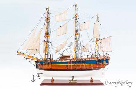 Endeavour model ship painted 75cm 19 (5)