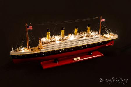 Titanic Ocean Liner Model Cruise with lights 2021 (9)